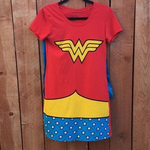 Tops - Wonder Woman Long Shirt with Cape Size Small